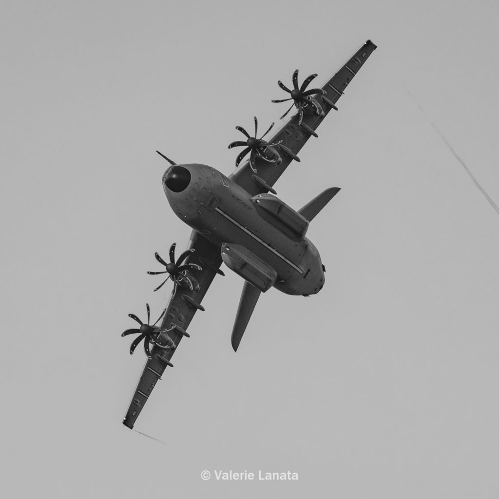 Le 04/12/2019 sur la BA105-Evreux : présentation d'un panel des moyens de l'Armée de l'Air et de ses missions à l'Institut des Hautes Etudes de Défense (IHEDN) et Ecole de Guerre (EDG). Photo : démonstration dynamique des capacités de l'armée de l'air